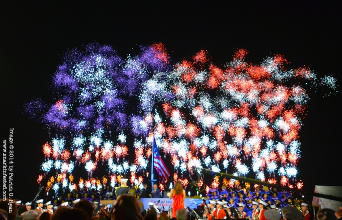 American Flag Fireworks *2630